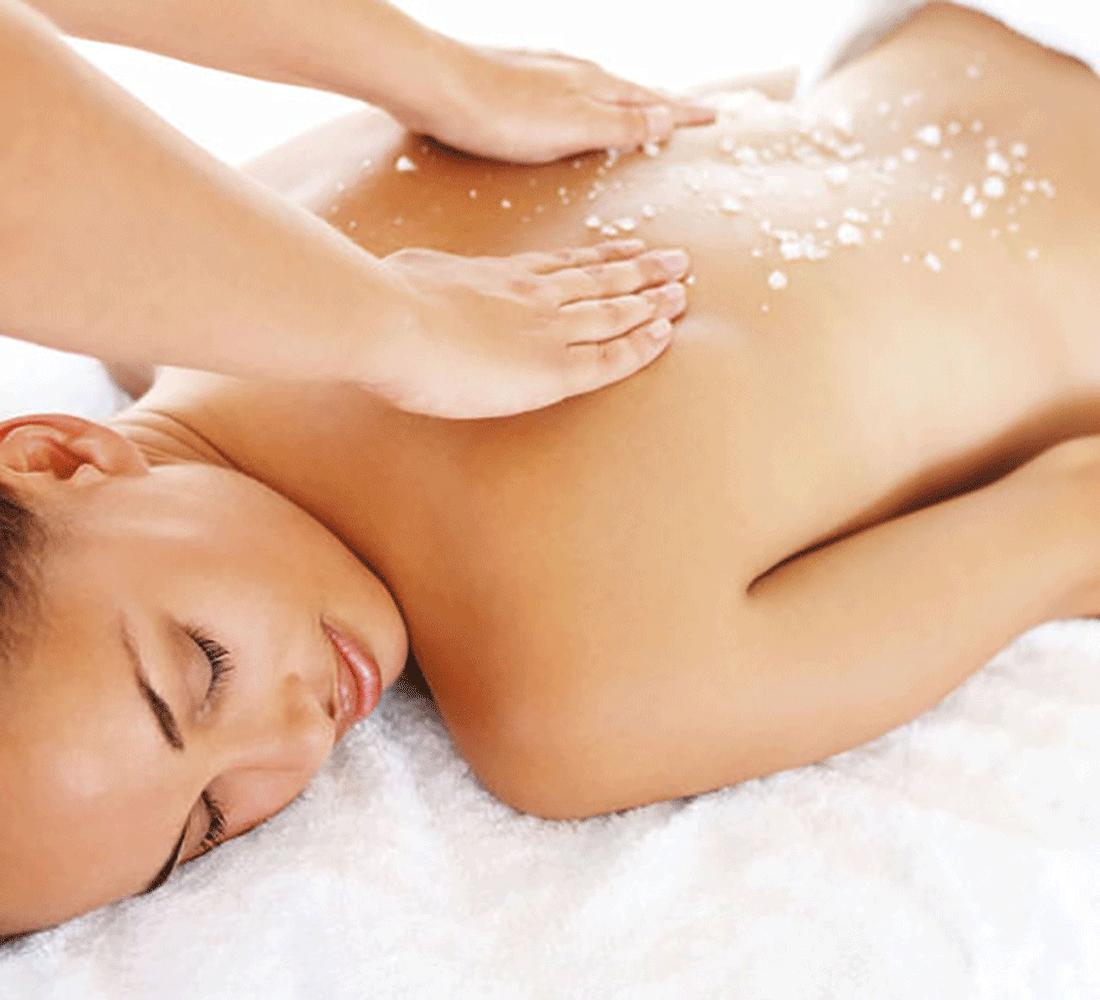 Peeling Alpienne Salzsteinmassage im Beauty und Wellnesshotel Alpbachtal