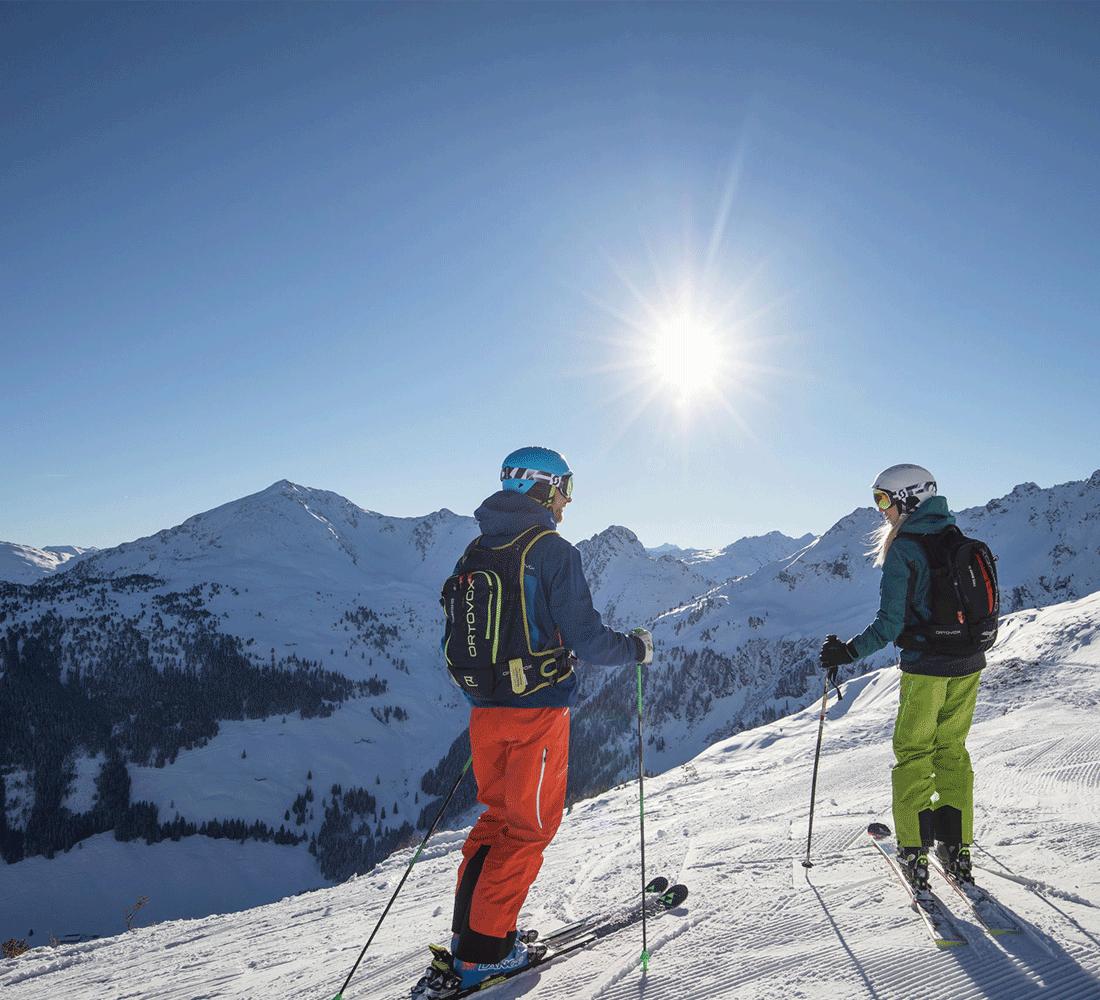 Skilaufen in der Sonne Winter Aktivurlaub Tirol