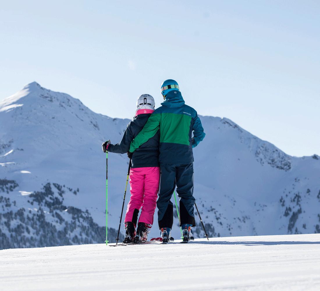 Skifahrer im 4 Sterne Hotel Tirol