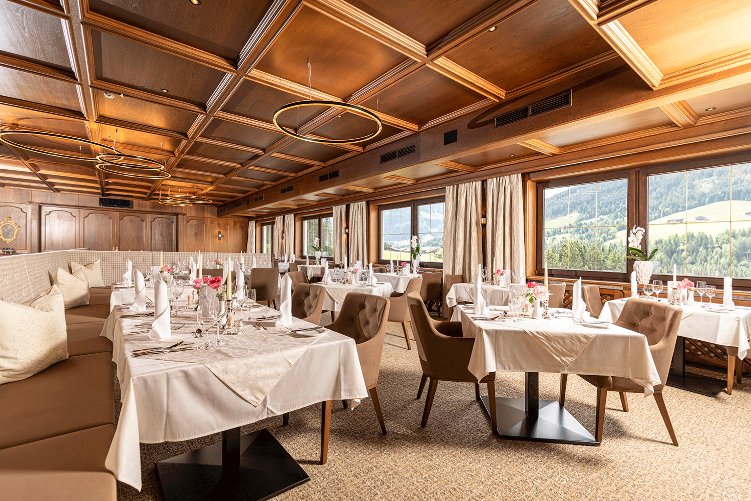 Restaurant im Wellnesshotel Alpacherhof in Tirol