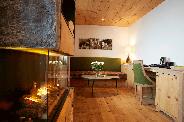Suite Traumblick Sitzecke im Wellnesshotel Alpbacherhof in Tirol