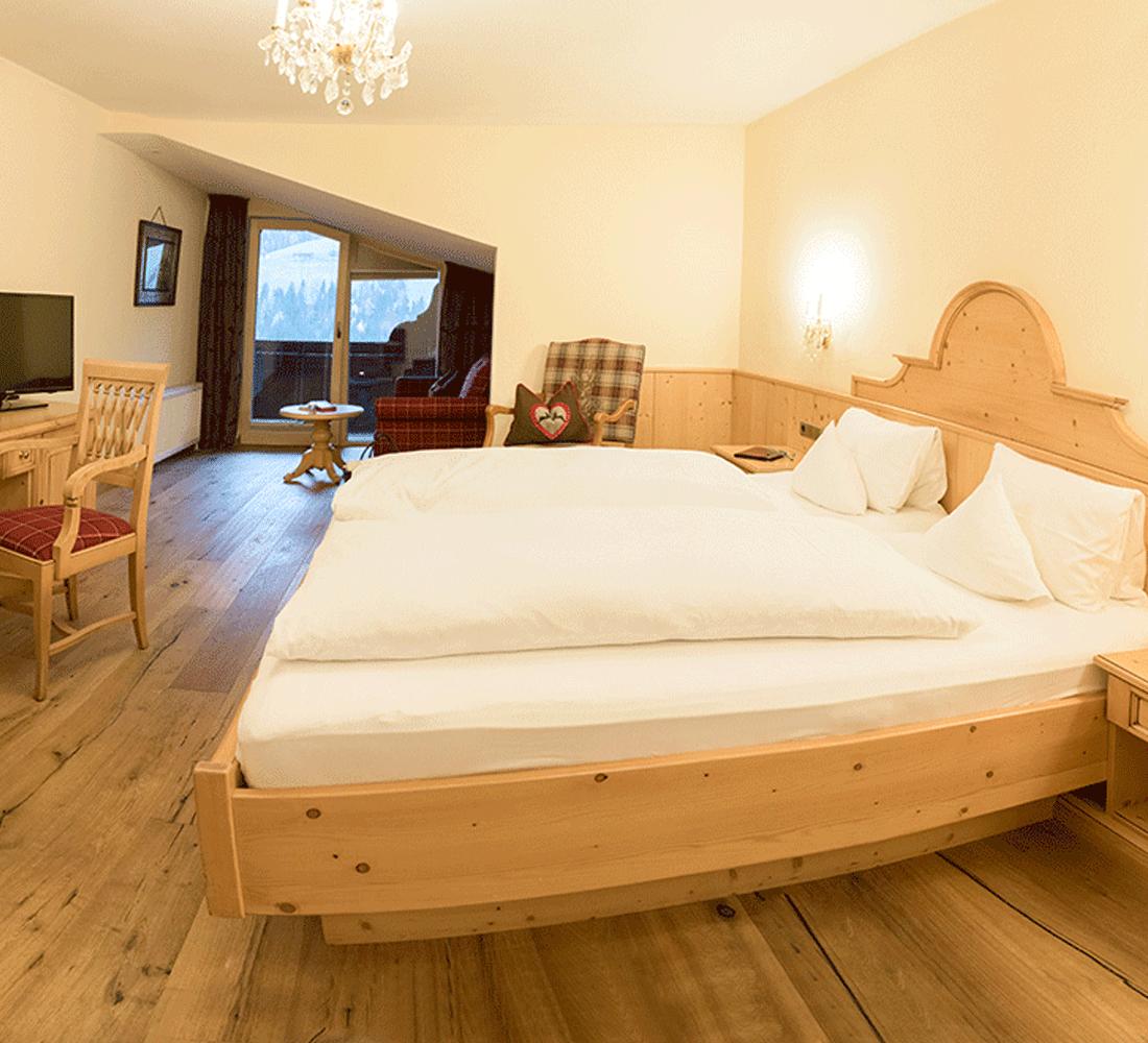 Wohnkomfortzimmer Panorama Junior im 4 Sterne Hotel Tirol