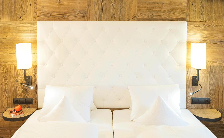 Wohnkomfortzimmer Alpin Bett 2 im Wellnesshotel Alpbacherhof in Tirol
