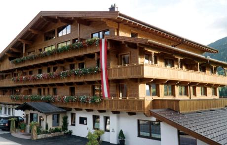 Vorderansicht Der Alpbacherhof Naturhotel Tirol