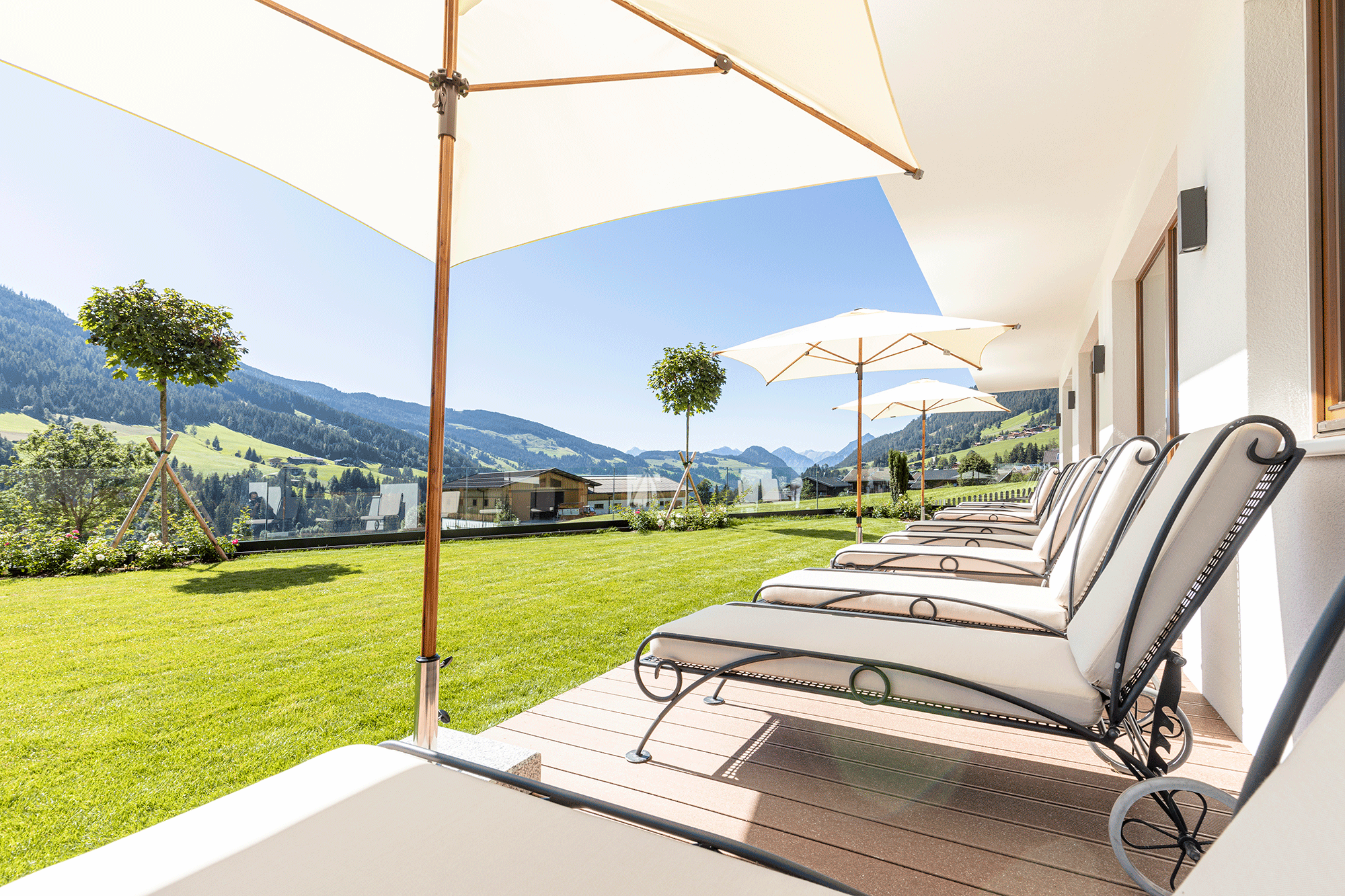 Relaxliegen im Wellnesshotel Tirol