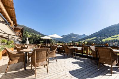 Sonnenterasse Alpbacherhof mit Blick in die Natur