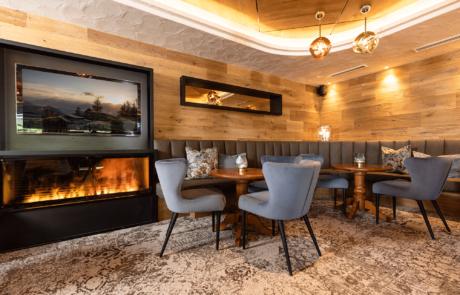 Moderne Bar im Alpbacherhof Wellnesshotel Tirol im Alpbachtal