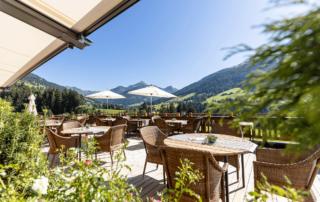 Terrasse vom Hotel in Tirol neue Ansicht