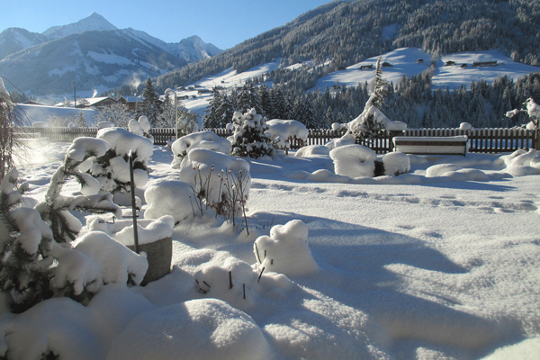 Winterlandschaft Wellnesshotel Tirol