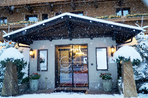 Hotel in Tirol im Winter