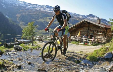 Biker im Alpbachtal Mountainbiken Alpbachtal