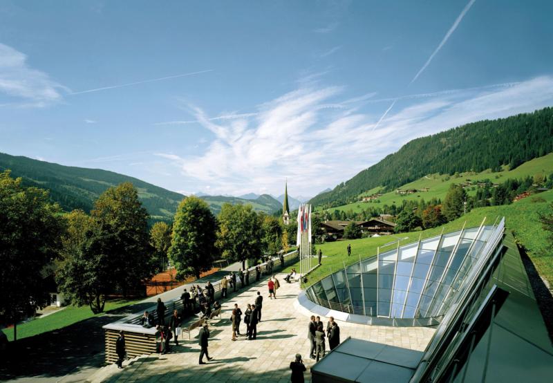 Forum Alpbach im Sommer im Alpbachtal Österreich