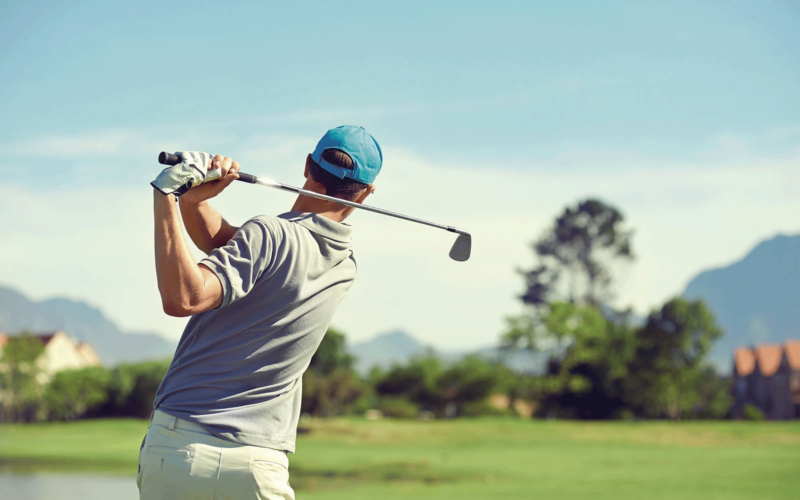 Golfspieler im Golfhotel Alplbachtal