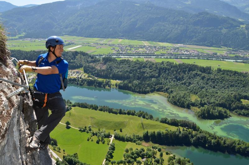 Kletterer Klettersteig Reintalersee beim Klettern Alpbachtal