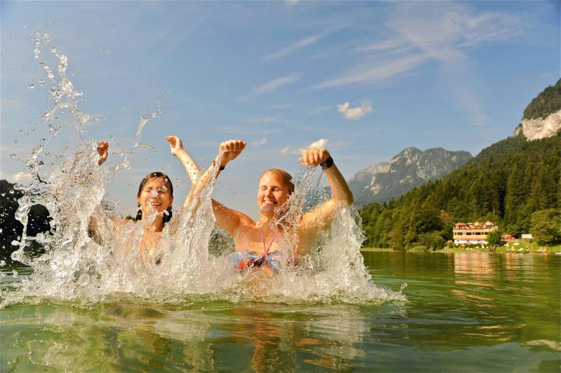 Reintaler See Spaß im Wasser Familienurlaub Alpbachtal