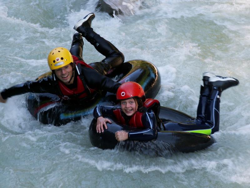 Schlauchreiten Brandernberger Ache beim Wildwassersport Tirol