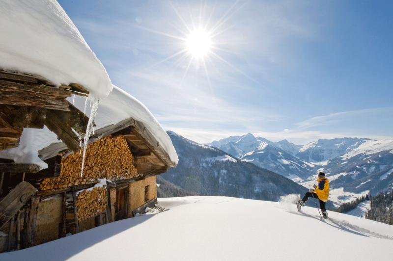 Schneeschuhwandern Halsbergalm beim Winterwandern Alpbachtal