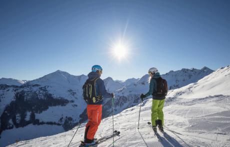 Skifahrer Ski Juwel im Skiurlaub Alpbachtal
