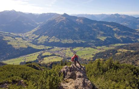 Wanderpaar Gratlspitz_1 beim Aktivurlaub Alpbachtal