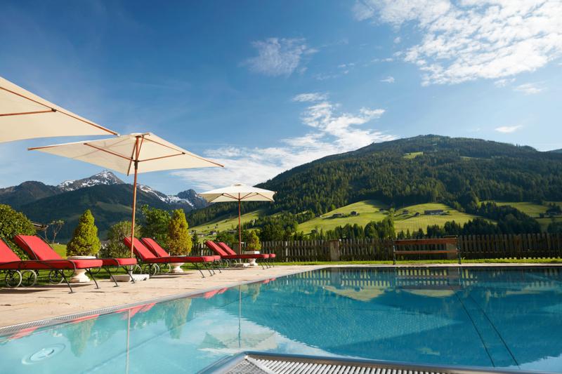 Außenpool im Wellnesshotel Alpbachtal